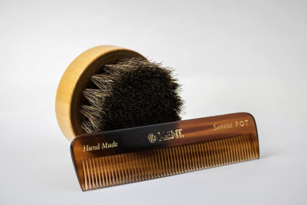 Beard comb and beard brush